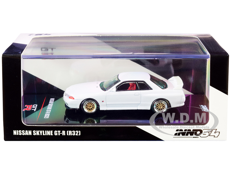 Nissan Skyline GT-R R32 RHD Right Hand Drive Crystal White Extra Wheels Decals 1/64 Diecast Model Car Inno Models IN64-R32-WHI