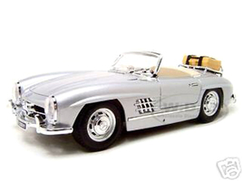1957 Mercedes 300SL Touring Convertible Silver 1/18 Diecast Model Car Bburago 12049