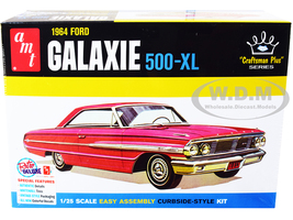 Skill 2 Model Kit 1964 Ford Galaxie 500-XL Craftsman Plus Series 1/25 Scale Model AMT AMT1261