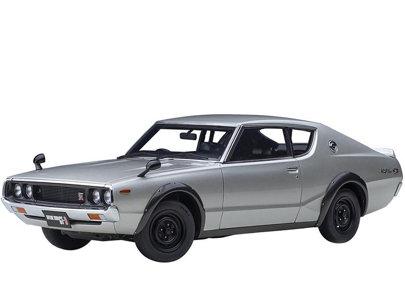 Nissan Skyline 2000GT-R KPGC110 RHD Right Hand Drive Silver Metallic 1/18 Model Car Autoart 77471