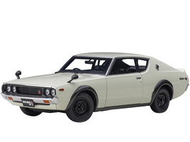 Nissan Skyline 2000GT-R KPGC110 RHD Right Hand Drive White 1/18 Model Car Autoart 77472