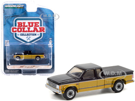 1990 Chevrolet S10 Tahoe Pickup Truck Tonneau Cover Black Gold Blue Collar Collection Series 9 1/64 Diecast Model Car Greenlight 35200 E