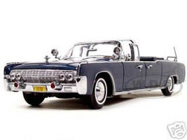 1961 Lincoln X-100 Kennedy Limousine Blue 1/24 Diecast Model Car Road Signature 24048