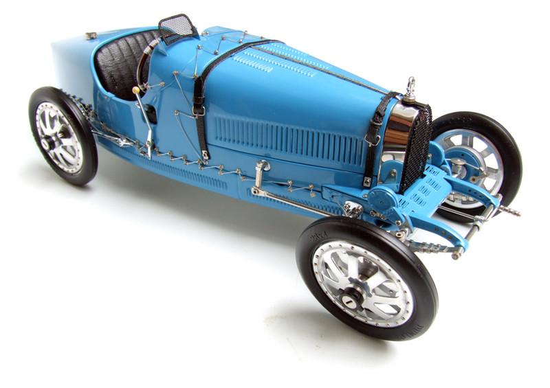 Bugatti Type 35 T35 Grand Prix 1924 Blue 1/18 Diecast Car Model CMC 063