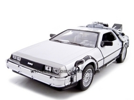 """Delorean From Movie """"Back To The Future 2"""" 1/24 Diecast Car Welly 22441"""