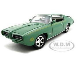 1969 Pontiac GTO Judge Green 1/24 Diecast Model Car Motormax 73242