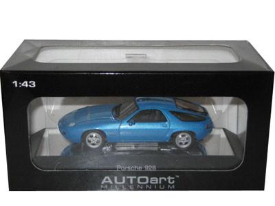Porsche 928 Blue 1/43 Diecast Model Car Autoart 57811