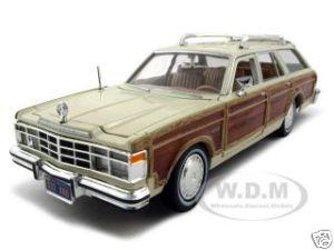1979 Chrysler Lebaron Town & Country Cream 1/24 Diecast Model Car Motormax 73331