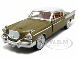 1957 Studebaker Golden Hawk Gold 1/32 Diecast Model Car Signature Models 32399