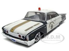 """1960 Ford Starliner Highway Patrol """"All Stars"""" 1/26 Diecast Model Car Maisto 31344"""