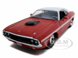 1970 Dodge Challenger R/T Coupe Red 1/24 Diecast Model Car  Maisto 31263