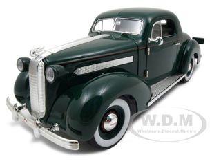 1936 Pontiac Deluxe Green 1/18 Diecast Model Car Signature Models 18106