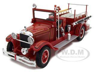 1928 Studebaker Fire Engine 1/32 Diecast Model Car Signature Models 32347