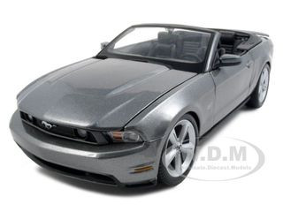 2010 Ford Mustang GT Convertible Gray 1/18 Diecast Model Car Maisto 31158