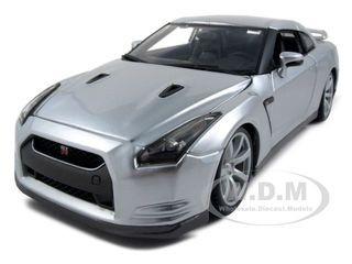 2009 Nissan GT-R R35 Silver 1/18 Diecast Model Car Bburago 12079