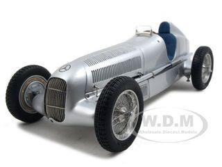 1934 Mercedes W25 Silver 1/18 Diecast Model Car CMC 033