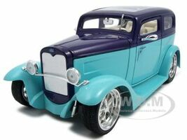 1931 Ford Model A Sedan Green/Purple 1/18 Diecast Car Road Signature 92848