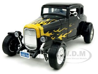 1932 Ford Coupe Black Yellow Flames 1/18 Diecast Model Car Motormax 73171