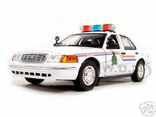 2001 Ford Crown Victoria Royal Canadian Mounted Police Car 1/18 Diecast Car Model Motormax 73503