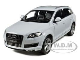 Audi Q7 White 1/18 Diecast Car Model Welly 18032