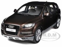 Audi Q7 Teak Brown 1/18 Diecast Car Model Kyosho 09222