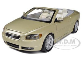 Volvo C70 Convertible Gold 1/24 Diecast Car Model Bburago 22101