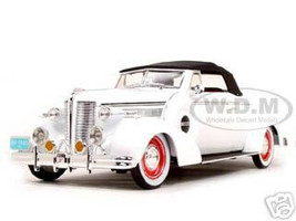 1938 Buick Century White 1/18 Diecast Car Model Signature Models 18131