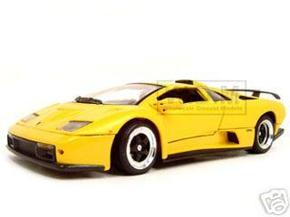 Lamborghini Diablo GT Yellow 1/18 Diecast Model Car Motormax 73168