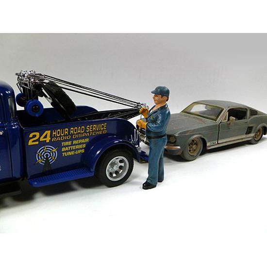 Tow Truck Driver/Operator Bill Figurie For 1:24 Scale Diecast Car Models American Diorama 23906