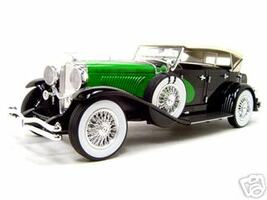 1934 Duesenberg Model J Black/Green 1/18 Diecast Model Car Signature Models 18110