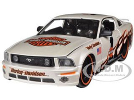 2006 Ford Mustang GT #1 White Harley Davidson 1/24 Diecast Car Model Maisto 32169