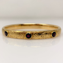 Antique American 14 Karat Gold and 3 Garnet Bangle Bracelet
