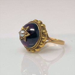 Antique English Victorian 15 Karat Gold Cabochon Garnet and Pearl Ring
