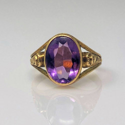 Antique Amethyst and 10 Karat Gold Ring