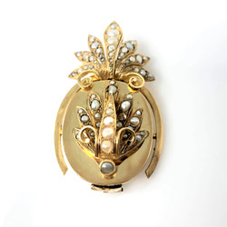 Antique 14 Karat Gold Pineapple Pendant and Brooch.