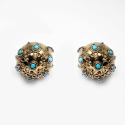 Antique English 15 Karat Turquoise Etruscan Style Earrings
