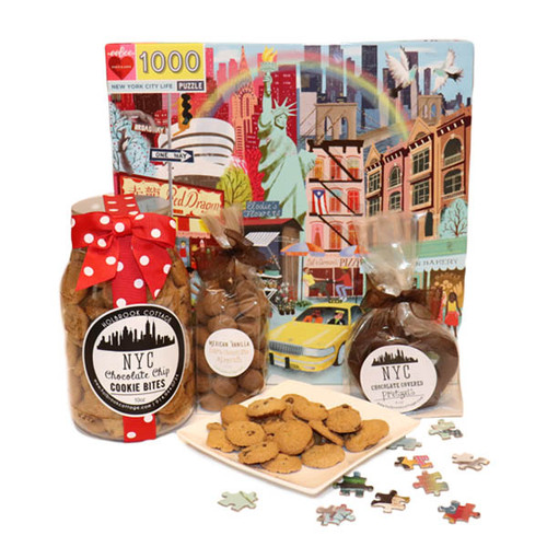 1000 piece puzzle with New York City landmarks and NYC treat.