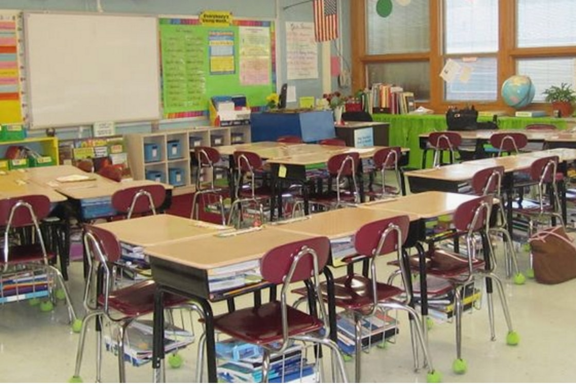 The 21st Century Classroom: 7 Ways To Arrange Collaborative Desks    Classroom Essentials Online