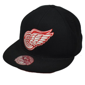 NHL Mitchell Ness G003K Detroit Red Wings Vintage Hockey Hat Cap Black Fitted