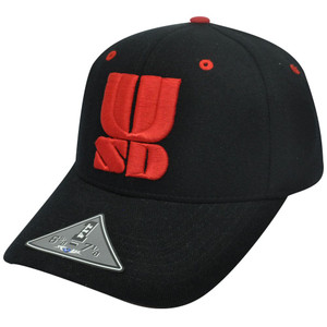 NCAA SOUTH DAKOTA COYOTES BLACK RED FLEX FIT HAT CAP