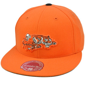 NFL Mitchell & Ness Throwback Logo Hat Cap Fitted Cincinnati Bengals TK03 Size 7