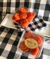 Gourmet SlipPits (Whole Apricots) Gift Tub