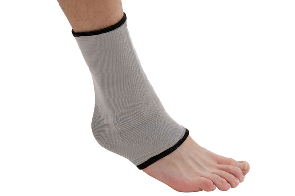 The Actesso Bamboo Ankle Support is ideal for supporting ankle before injury or to relieve pain and provide stabilisation for injured ankles. Using Far infrared ray of Nano bamboo charcoal the bamboo improves the ankles circulation allowing the ankle to heal faster.