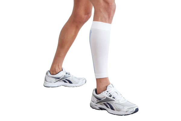 Reduces pain and speeds up the healing process: the Single White Calf Support provides warmth, compression and support to the calf region to aid in reducing pain and preventing further injury, making this support ideal for calf injury, shin splints, minor injuries and for sports people and those who are on their feet all day. Read more below...