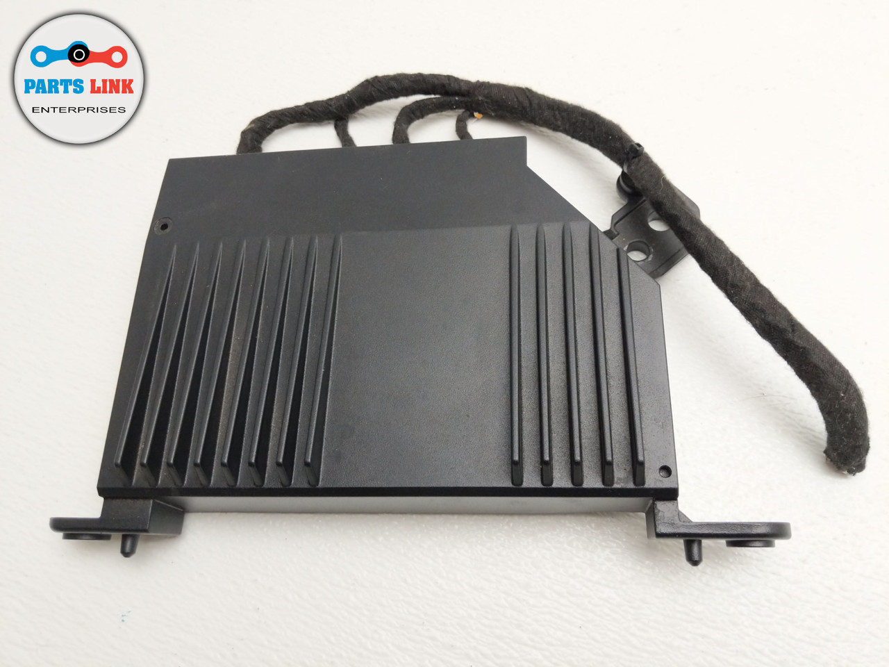 2016-2018 VOLVO XC90 T5 2 0L STEREO AUDIO SOUND SYSTEM AMPLIFIER FACTORY OEM