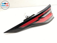 17-19 LAND ROVER DISCOVERY L462 REAR LEFT DRIVER QUARTER PANEL TAIL LIGHT LAMP