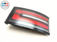 2017-2019 LAND ROVER DISCOVERY 5 L462 HSE RIGHT TRUNK GATE TAIL LIGHT STOP LAMP