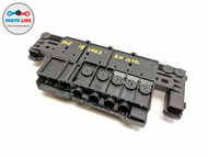 2017-2019 LAND ROVER DISCOVERY L462 RIGHT QUARTER POWER TERMINAL FUSE BOX RELAY