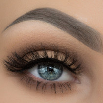 Bev lashes worn by Taren