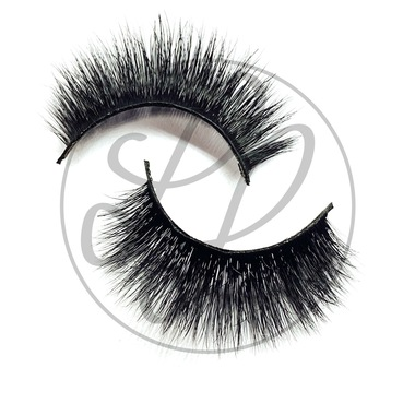Khloe lashes Criss Cross